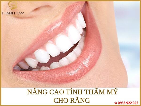 Giúp răng trắng sáng đều màu