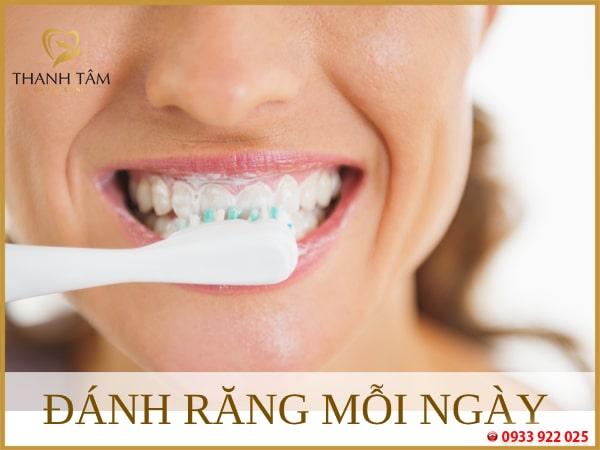 Đánh răng mỗi ngày