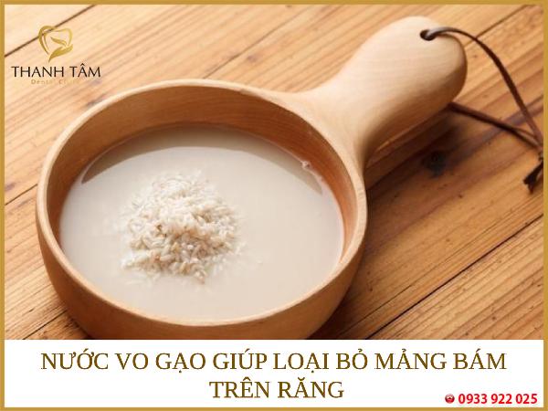 cách làm trắng răng tại nhà bằng nước vo gạo
