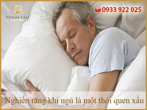 Nghiến răng khi ngủ