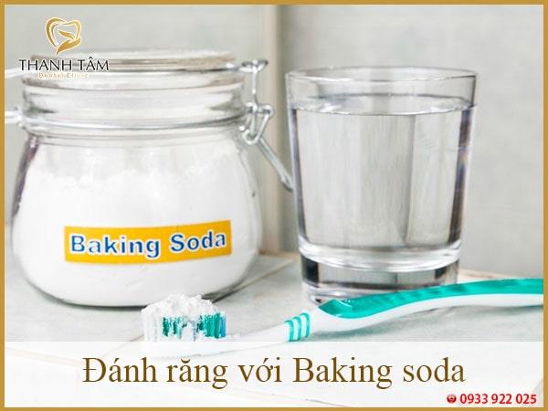 Đánh răng với Baking soda-min