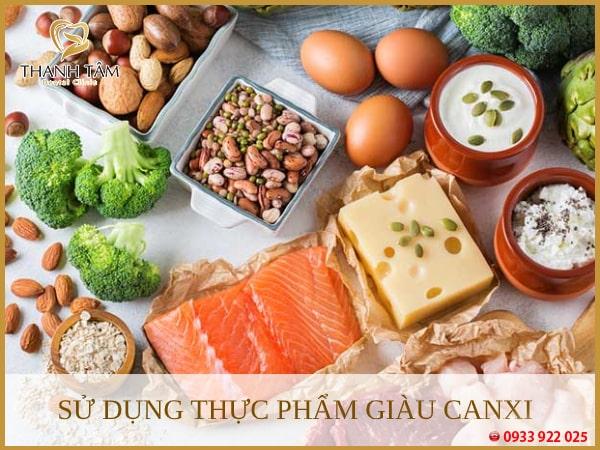 Bổ sung nhiều thực phẩm giàu canxi, vitamin