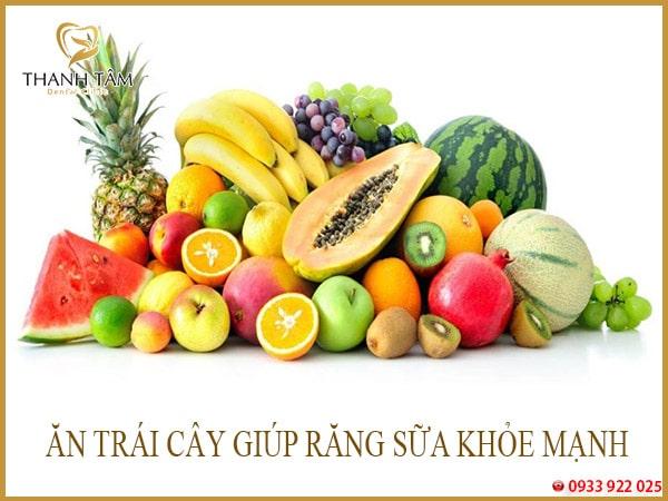 ăn trái cây giúp răng sữa khỏe mạnh
