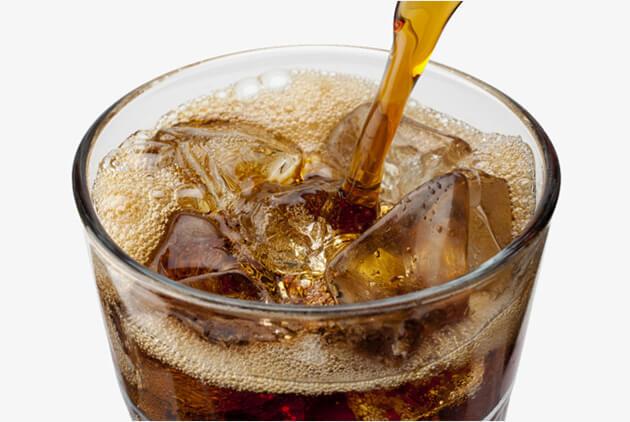 Coca-cola khiến răng bị xỉn màu