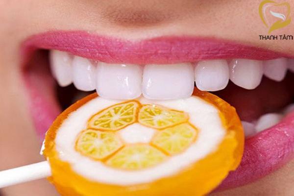 Sử dụng các loại thức ăn mềm để bảo vệ răng sứ một cách tốt nhất