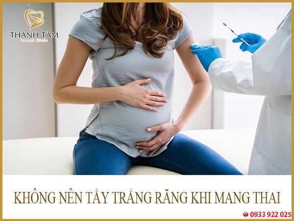 Khi mang thai tẩy trắng răng được không