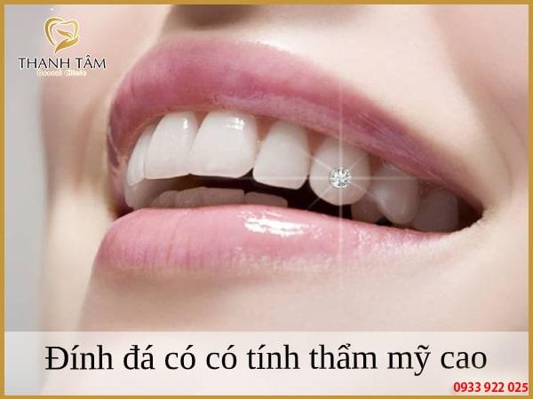 Đính đá nâng cao tính thẩm mỹ cho răng hiệu quả
