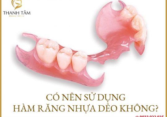 hàm răng nhựa dẻo