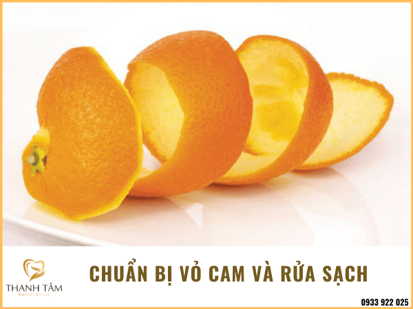 Rửa sạch vỏ cam