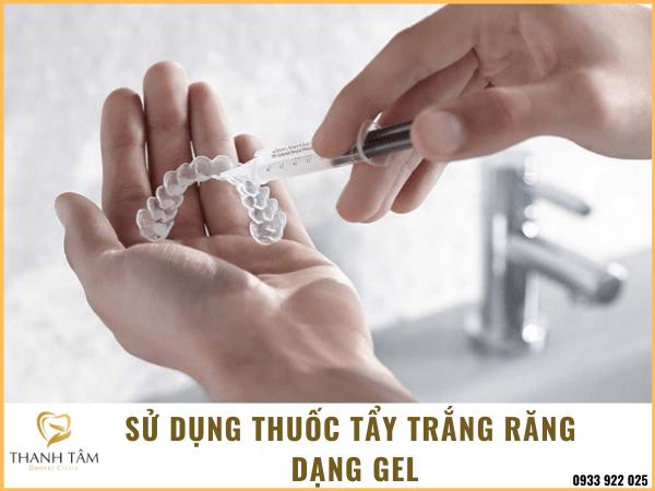 Cách sử dụng thuốc tẩy trắng răng dạng gel